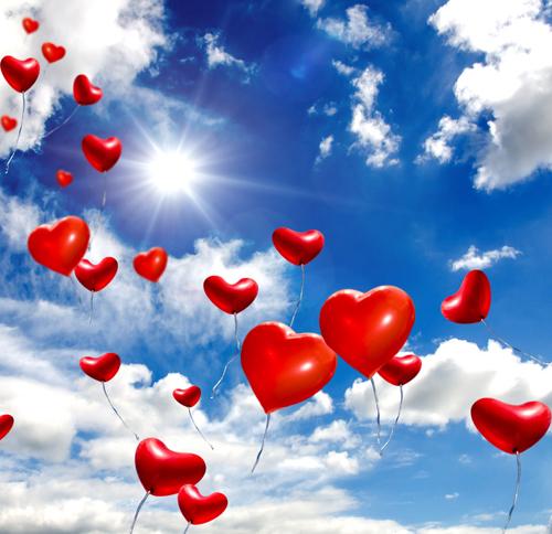 Herzballons steigen lassen